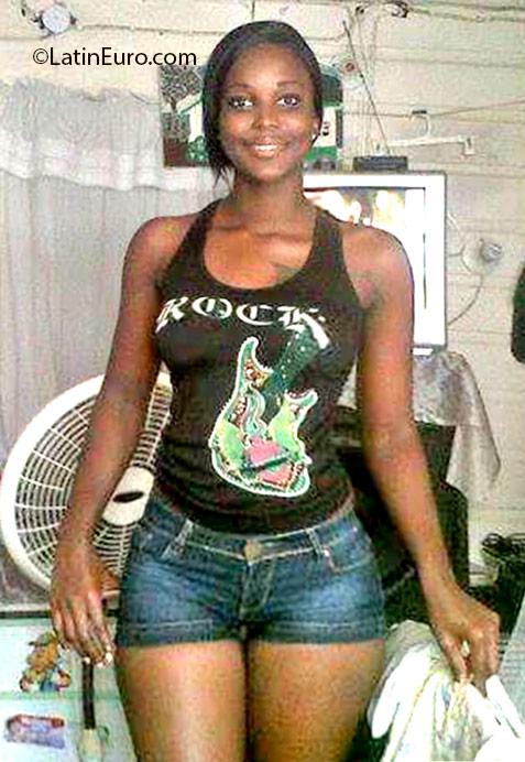 Webcam chat Nordi, female, 28, Jamaica girl from Kingston