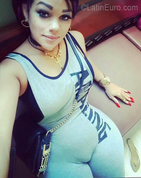Online chat Alexa, female, 45, Dominican Republic girl